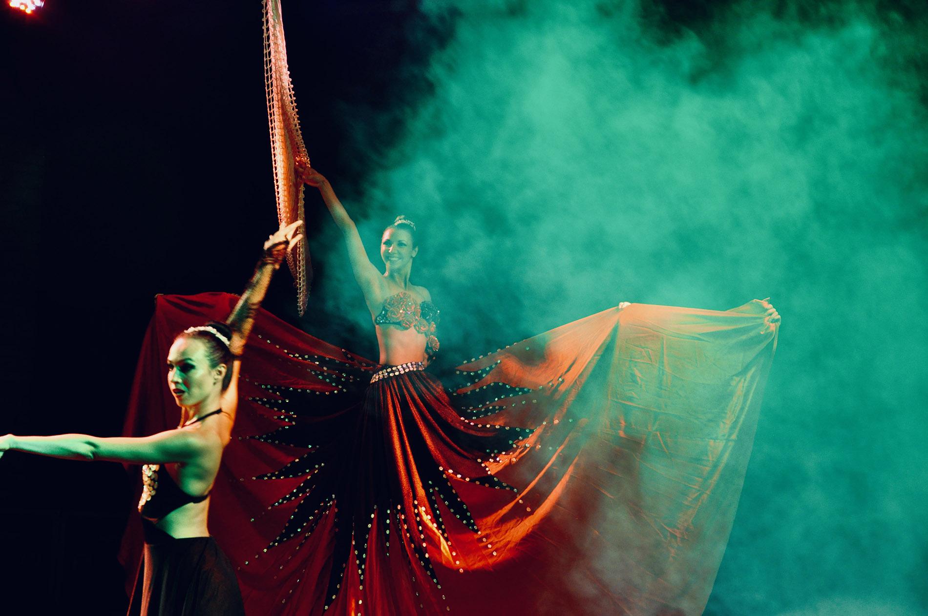 Renklerle Dans